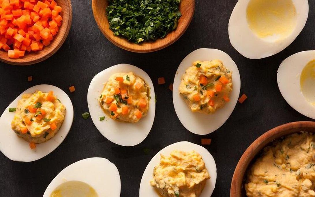 sriracha-deviled-eggs-recipe-chowhound
